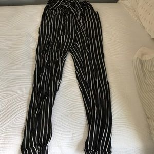 American Eagle Black and White Striped Pants